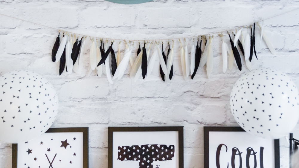 Boho party handmade feather garland